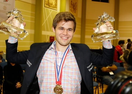 Magnus Carlsen — Triplu Campion Mondial